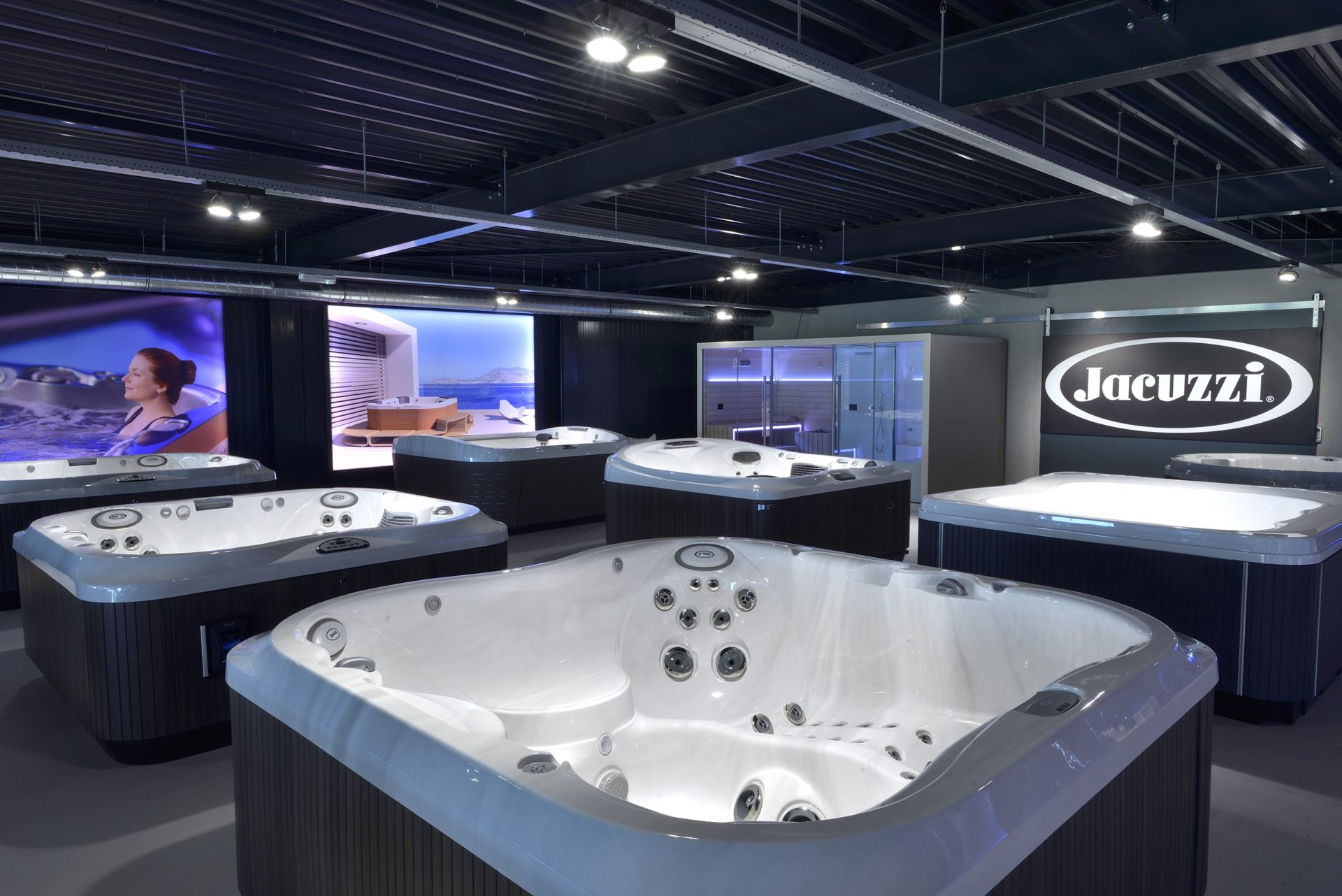 Jacuzzi® spa showroom